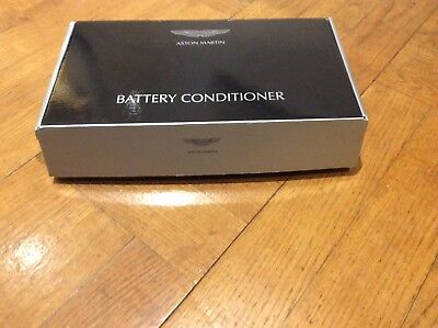 ASTON MARTIN   BATTERY CHARGER CONDITIONER TRICKLE   **BRAND NEW in  box*