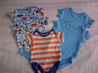 5 x short sleeved vests - newborn - used