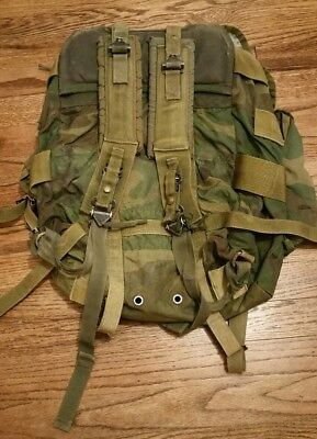 US Army Field Pack Woodland Camo Medium With Shoulder Straps No Frame
