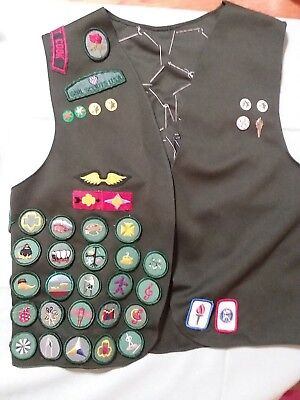 Vintage Girl Scouts Usa Vest Sash Badges Pins Buttons 1970's & 1980's Wisconsin