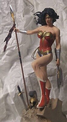 Sideshow Exclusive Wonder Woman Premium Format With Custom Spear