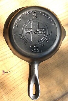 Antique Griswold No.3  Cast Iron Skillet 709B, Large Slant Logo, Heat Ring