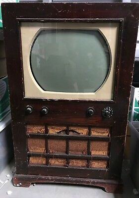 1950's RCA-Victor-Television-In-Wood-Cabinet-Vintage Model 6-T-64