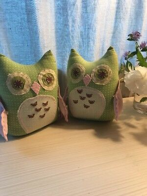 Pottery Barn Kids Medium Weighted Owls.  Set Of 2. Green And Pink  Used Bookends
