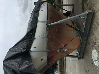 Boat - twister 28ft G.R.P fin keel