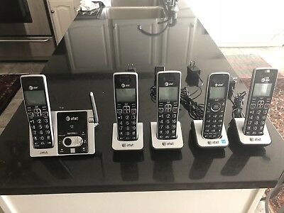 AT&T CL82413 Cordless Answering System With Caller ID Call Waiting 5-Handsets