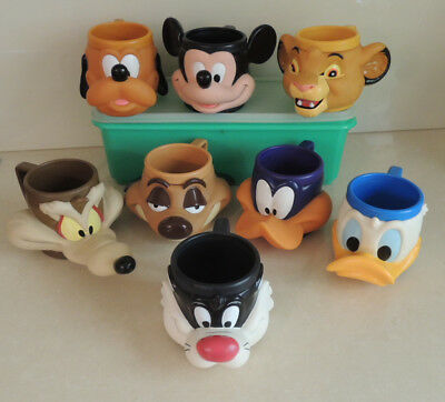 8 Looney Tunes Collectable Mugs 1992