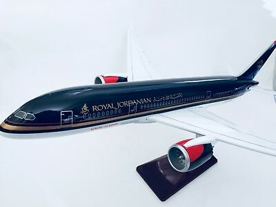 ROYAL JORDANIAN B787 DREAMLINER LARGE PLANE MODEL SOLD RESIN 2kg 44cm JORDAN