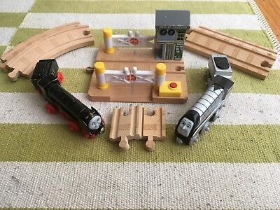 Thomas and Friends Wooden Railway Lot (2 trains, signal crossing, 6 track)