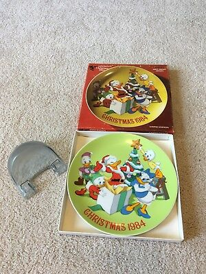 Sixth Edition Christmas 1984 Disney Collectors Plate- Celebrating Donald's B-day