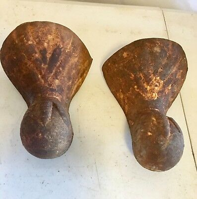 Lot of 2 Matching Antique Cast Iron Clawfoot Bathtub Feet 51