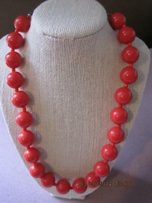 ORANGY RED Large Lucite Round Beads NECKLACE Funky & Fun VTG