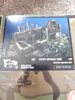 Verlinden Productions Ruined Ardennes Farm 1:35 plater of paris model