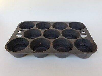 Vintage/ Antique 11 Cup Cast Iron Muffin Pan B