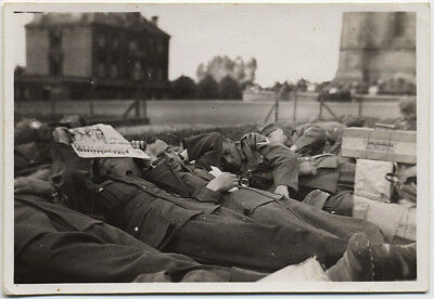 Lazy German? Nazi? Soldier Rest Read Newspaper Between Battles Unusual Wwii Pic!