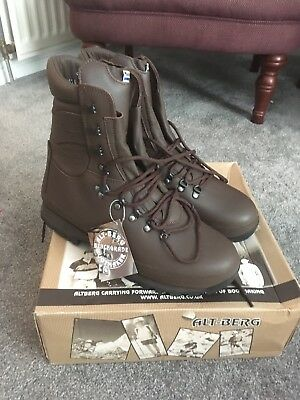 AltBerg Defender Brown Boots - Size 11