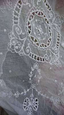 EXQUISITE ANTIQUE FRENCH EMBROIDERED TULLE LACE CHATEAU CURTAIN PANEL c1900