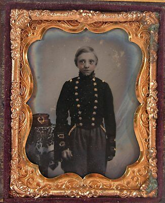 1860s CASED CIVIL WAR TINTYPE PHOTOGRAPH OF VERY YOUNG UNION ARMY SOLDIER #1