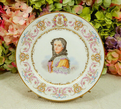 Beautiful Sevres French Porcelain Portrait Plate ~ Marie Leczinska ~ Gold