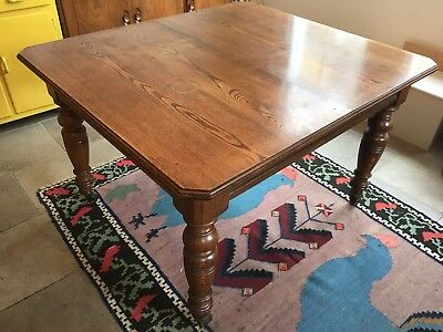 Original Victorian solid wood wind-out extending dining table