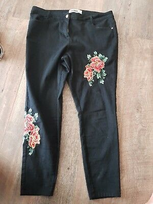 Black Skinny Jeans With Rose Detail Size 22 From Yours Clothing
