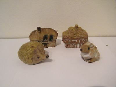4 x TREMAR Studio Pottery small Miniatures
