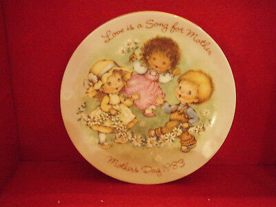 "Avon Mothers Day Plates 1983 LOVE IS A SONG - 5"" - Japan"
