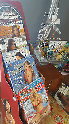 SPORTS ILLUSTRATED SWIMSUIt lot #2** 1 P0STER*1DISPLAY STAND* 5 GEM MINT COVERS+
