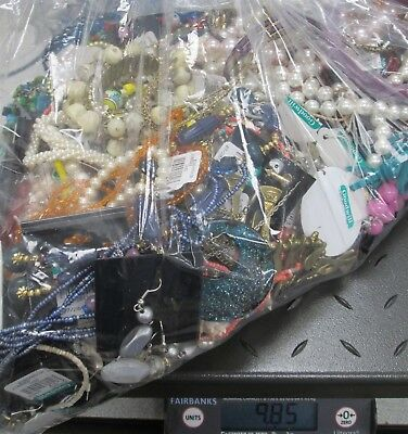 9.85 Pound Lot Of Mixed Costume Jewelry for Design Or Repair KLH579-OS