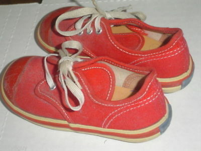 Vintage '70's Toddler Sized Keds - in very nice used condition - take a look!