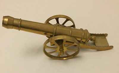 Lovely Large Heavy Vintage Brass Desk Top / Fireside Model Ornament Of A Cannon