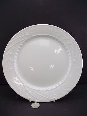 White Raised Floral 9 3/4'' Dinner Plate Mellor, Taylor And Company England
