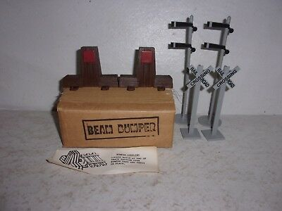 1 Set Of Train Track Bumpers For Jim Beam Trains + 4 Railroad Signals