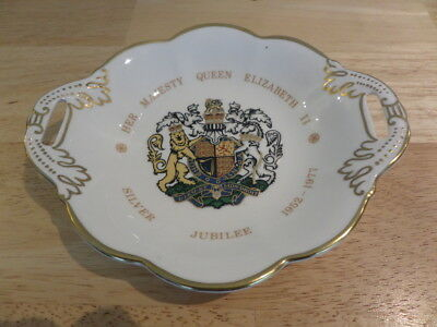COALPORT QEII SILVER JUBILEE SWEET DISH - COAT OF ARMS in CENTRE - GOLD EDGE