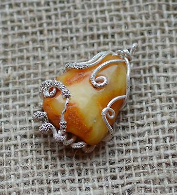 13 gr Genuine vintage natural baltic amber pendant egg yolk butterscotch