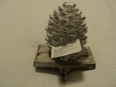 Ezibuy Style 179246 Resin Iron Construction. PINECONE ORNAMENT HANGER.