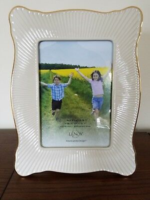 Lenox Meridian Collection 5x7 Picture Frame Ivory Gold Trim Ribbed