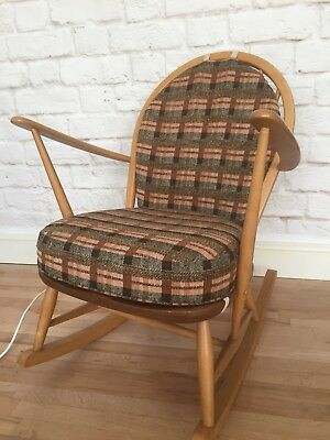 Outstanding Ercol 470 Windsor Tub Rocking Chair Late 70S Elm And Beech Evergreenethics Interior Chair Design Evergreenethicsorg