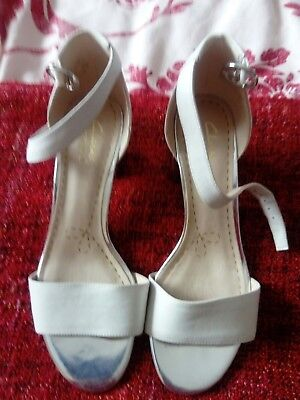 7f7a11e6de7 Clarks Sandals Shoes SUSIE DEVA White Leather and Metallic Silver Block Heel  5D