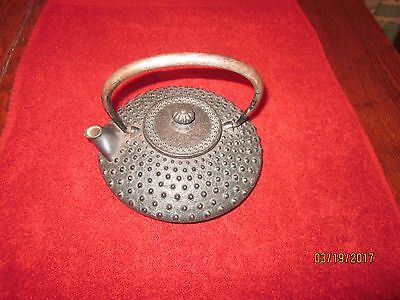 Antique Japanese Cast Iron Meija or early 20th C. Tea Pot, iron handle