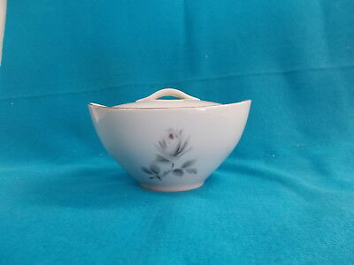 LOVELY CERAMIC BOWL WITH FLOWER PATTERN - 12 x 11 1/4 x 6 1/2 cm BAVARIA EX COND