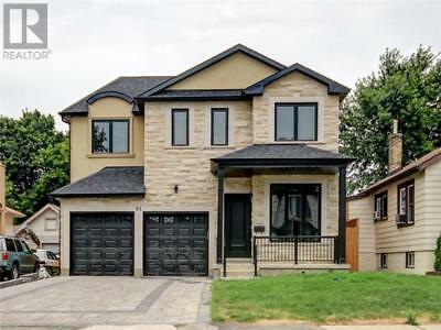 New 3200 SQFT Custom Luxury Modern House - Toronto, ON Prime Location Investment