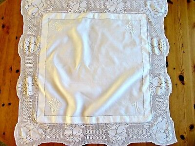 """Vintage Embroidered Lace Edged Linen Tablecloth 34"""" Square Monogrammed 'h'"""