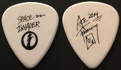 Kiss-Ace Frehley Space Invader Solo Tour Guitar Pick-Ace's Own Pick-White/black!