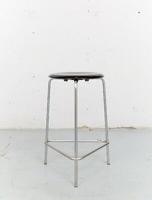 Arne Jacobsen M3170 Tripod-Stool Dreibein-Hocker for Fritz Hansen