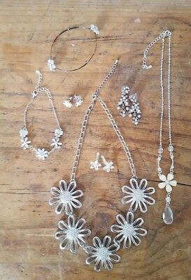 Good Quality Job Lot Of 7 Assorted Diamante Flower Floral Jewellery NON Broken