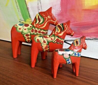 Nils Olsson DALA Vintage set 3 LABEL HORSES Red Swedish Hemslojd Wooden Figurine