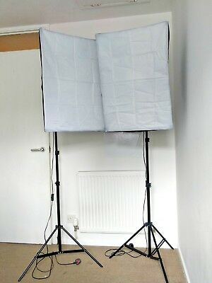 Photography Studio Softbox Lighting Kit - 50cm x 70cm Softboxes (x2)