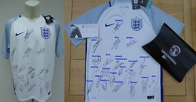 England Home Shirt Squad Signed inc 2018 World Cup stars Kane & Pickford (14459)