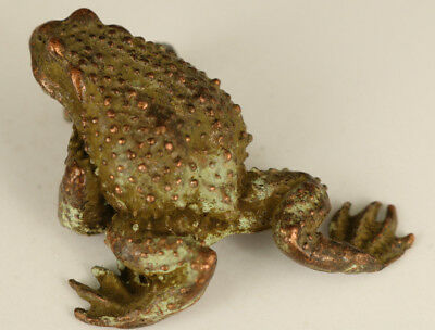 china Old bronze hand solid Casting Frog statue Netsuke Ornament collectable